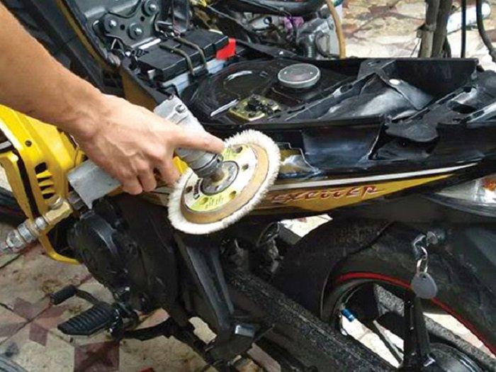 Hướng dẫn 5 bước đơn giản sơn xe máy tại nhà