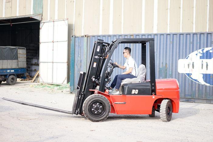 Xe nâng dầu diesel